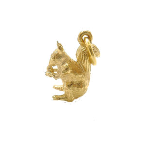mirabelle gold Squirrel pendant